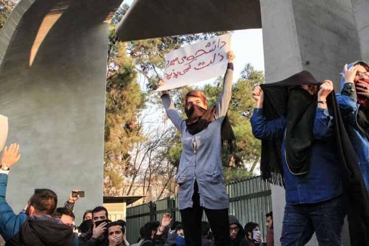 دو دانشجو از بازداشت شدگان