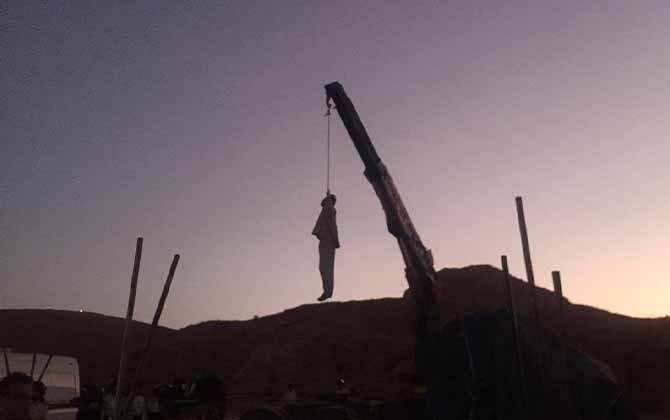 حمیدرضا درخشنده در ملاء عام در کازرون به دار آویخته شد