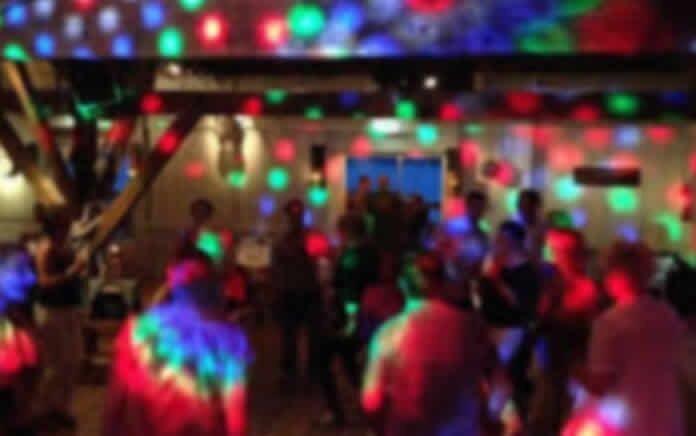 بازداشت ۲۲ دختر و پسر جوان در مهمانی شبانه در دماوند